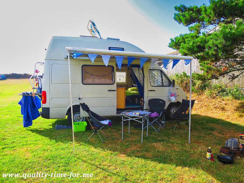 Schwabenmobil Kastenwagen auf dem Campingplatz