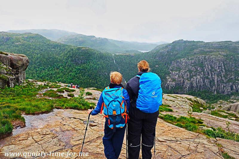 Wanderer unterwegs in Norwegen