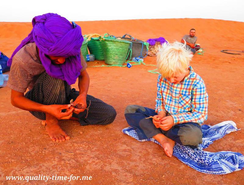 Junge und Beduine