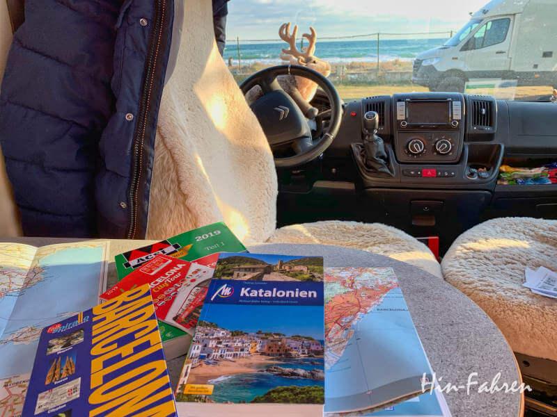 Reiseführer und Karten zu Katalonien