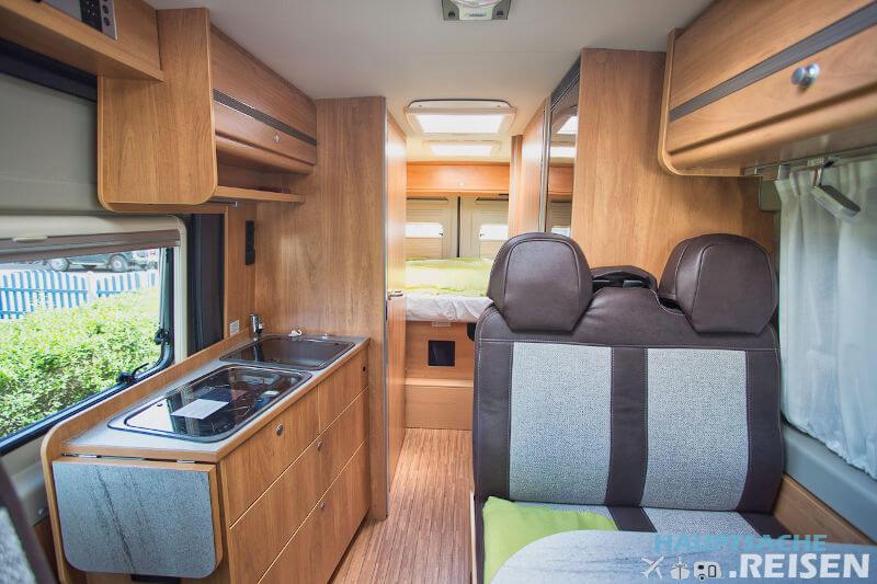 Blick ins Innere des Pössl Roadstar Kastenwagen