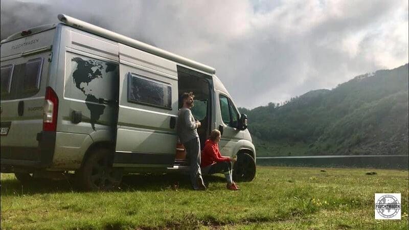 Karmann Davis Kastenwagen Wohnmobil in den Bergen