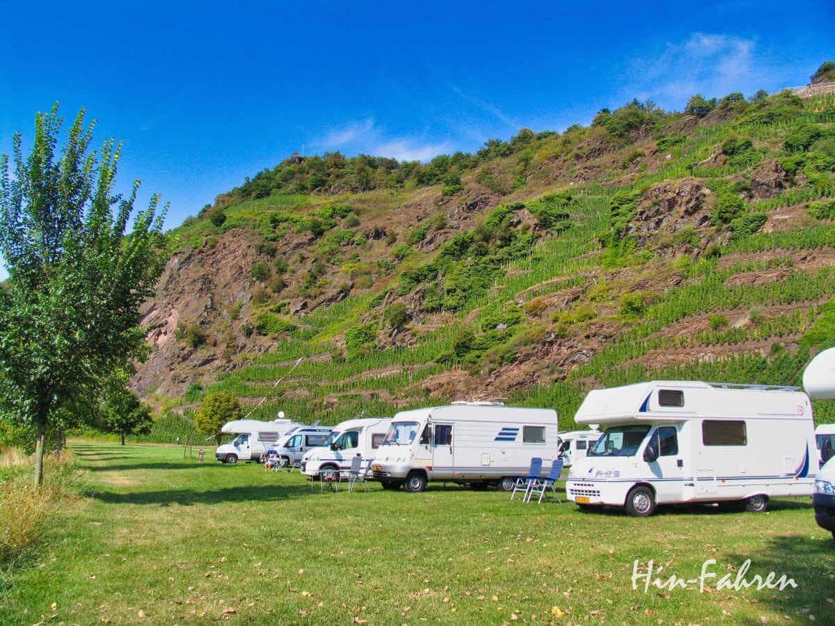 Wohnmobil-Urlaub in Deutschland: Wohnmobil-Stellplatz an der Mosel