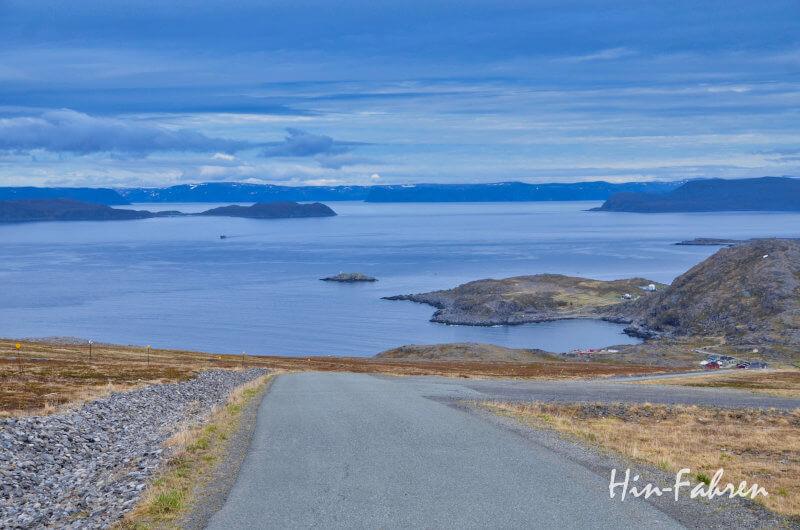 Blick aus dem Wohnmobil auf die Barentssee in Richtung Nordkap