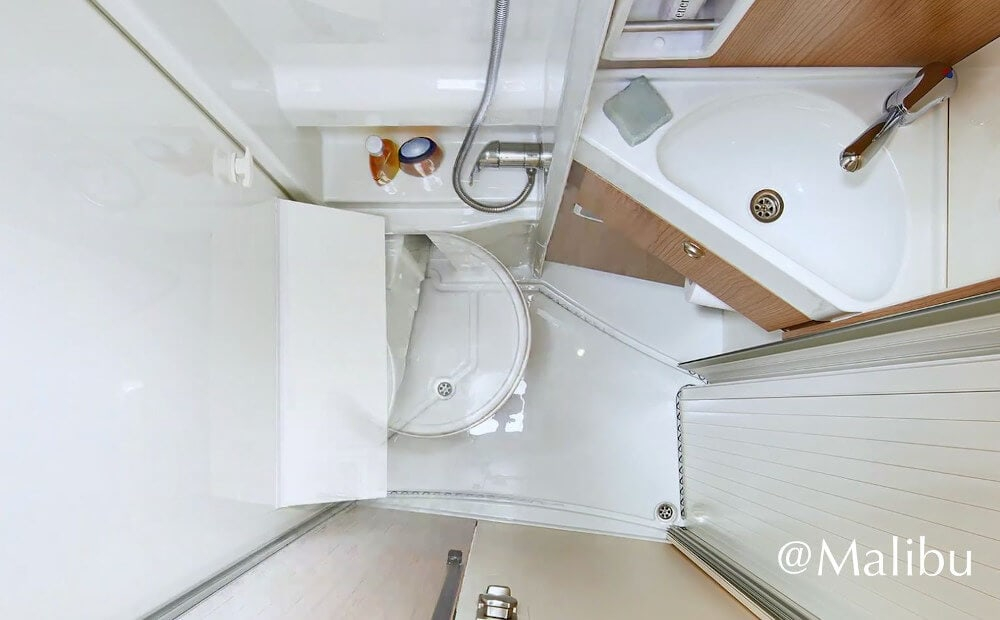 Das neue Bad im Malibu Van