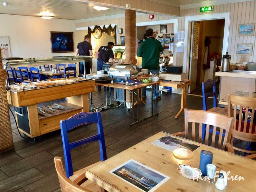 Atlantikstraße mit Wohnmobil: Norwegisches Fischrestaurant in Bud