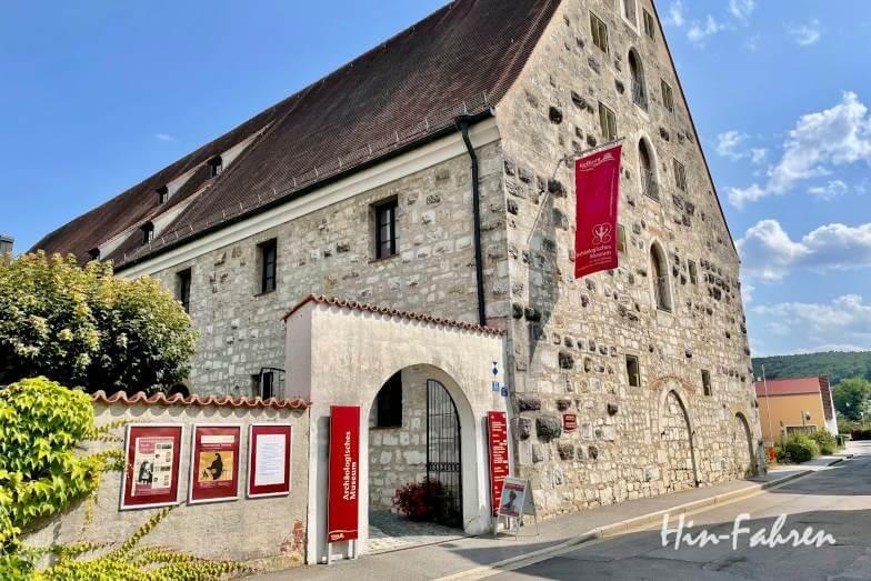 Wohnmobil-Tour Bayern: Archäologisches Museum in Kelheim