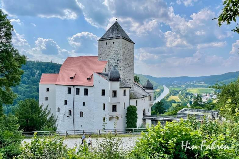 Bayern Wohnmobil-Tour: Burg Prunn oberhalb der Altmühl